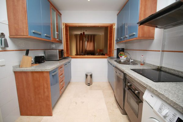 Kitchen Hoyo Uno Sotogrande