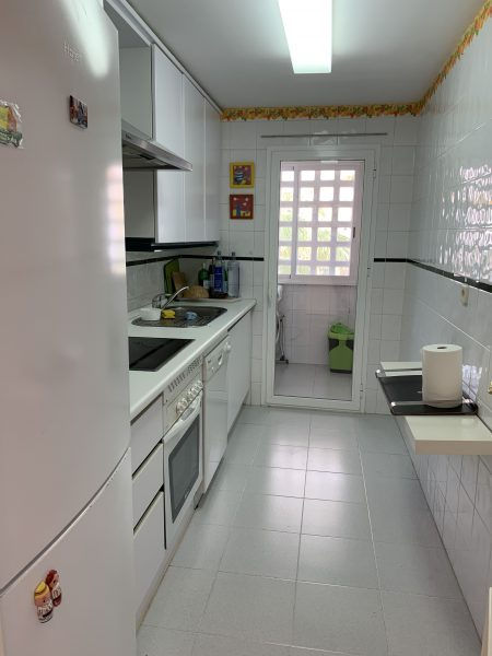 1 Bedroom Apartment for Sale in Dama de Noche - Kitchen Laundry Area