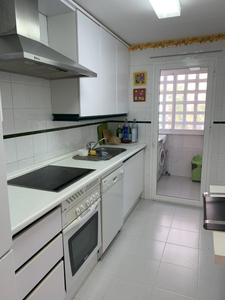 1 Bedroom Apartment for Sale in Dama de Noche - Kitchen